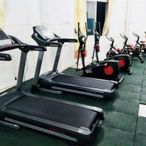 启健员工健身房